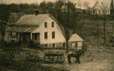 El Masters Hotel, Burr Oak, Iowa, donde trabajaban Charles y Caroline Ingalls, y María y Laura cuidados niño pequeño del dueño cuando no estaban en la escuela. La foto es de la década de 1800, la familia vivió y trabajó en el hotel en alrededor de 1877.