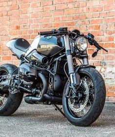 "783 Likes, 7 Comments - DERESTRICTED.com (@derestricted) on Instagram: ""Another great looking #BMW #rnineT . Anybody got anymore info on this one?"""