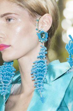 On Aura Tout Vu at Couture Fall 2013 - Details Runway Photos