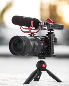 Sony Camera - Excellent Ways For Top Level From The Photography Sony Digital Camera, Sony Camera, Best Camera, Cinema Camera, Camera Rig, Camera Gear, Sony A6300, Accessoires Photo, Photography Camera