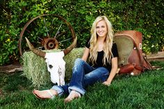 Senior picture idea for a country girl!