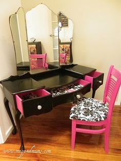 makeup table LOVE IT!!!❤ - Click image to find more DIY & Crafts Pinterest pins