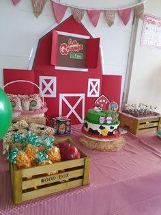 Farm Birthday Cakes, Farm Animal Birthday, Birthday Themes For Boys, 1st Birthday Parties, Birthday Decorations, 2nd Birthday, Mickey Mouse 1st Birthday, Barn Parties, Farm Party