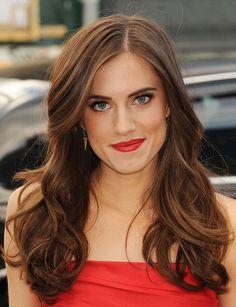Allison Williams in Chanel lipstick. So pretty!