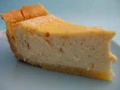 Preperazione della torta alla ricotta al microonde: In una ciotola mescolate con le