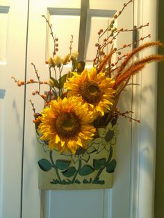 Please visit our website to create your own wreath! Warm Welcome Wreaths: Sample Wreaths