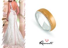 Simplesmente deslumbrante esta combinação! // Sencillamente impresionante esta combinacíon! #romantis #romantisjewelry #jewelry #casamento #weeding #aliançadecasamento #aliançasromantis #romantis #romantisjewelry #jewelry #boda #alianzadematrimonio #alianzasromantis #anillos #sortijasdepedida #pedida #tecasas OOALR004659 Photo by: www.essensedesigns.com