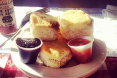 13 Things To Love About Nashville-loveless biscuits and preserves