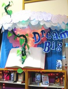 great library display...dream big!