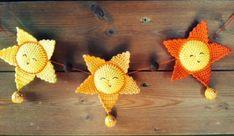 Zonnetje haakpatroon - Freubelweb :Freubelweb Dinosaur Stuffed Animal, Crochet Earrings, Crochet Patterns, Presents, Knitting, Toys, Christmas, Animals, Image