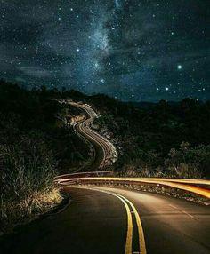Milky Way road - Kuaui , Hawaii // Photography by Cory Chavers ( Beautiful Roads, Beautiful Landscapes, Beautiful World, Beautiful Places, House Beautiful, Ciel Nocturne, Milky Way, Stargazing, Santa Monica