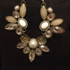 Aldo statement Pearl necklace Beautiful statement piece ALDO Jewelry Necklaces