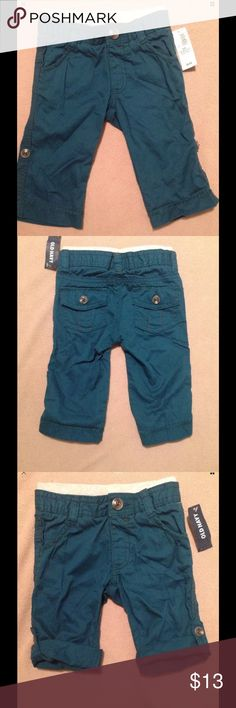 NWT Old Navy Infant boy cargo pants Size 6-12M 💥Final Price..unless bundled💥NWT Old Navy Infant boy Pull-up cargo pants that can be rolled up to wear as shorts. Size 6-12 months Old Navy Bottoms Casual