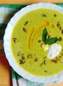 Letná polievka z bielej tekvice a cukiny