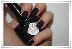 Caviar nails- I think I might have to try it...