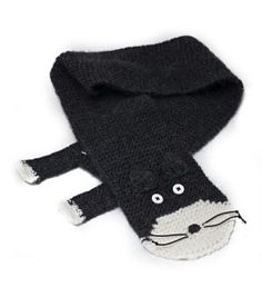hand knit cat scarf by amy bahrt...
