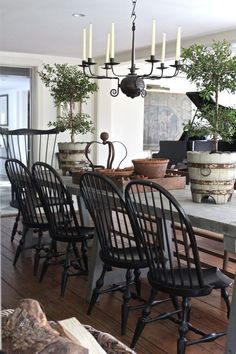 19 Fancy Farmhouse Dining Room Design Ideas - Home Design - lmolnar - Best Design and Decoration You Need French Country Dining Room, French Kitchen Decor, Rustic French Country, French Country Kitchens, Country Farmhouse Decor, French Country Decorating, Modern Farmhouse, French Table, Farmhouse Table
