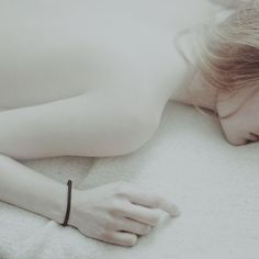 laura makabresku: something about her.