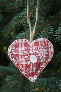 country christmas decorations | Country Heart Christmas Ornaments by AnneReneeCreations on Etsy, $4.95