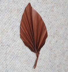Feuille d'arbre en origami sur Tête à modeler