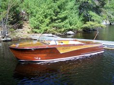 #seabuddy re-pin  #classicwoodboat  Two Tone Woodie!