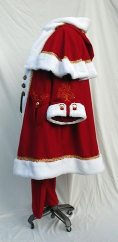 Portfolio of Historic Custom Costumes created by Twin Roses Designs. Costume Design and Construction by Andrea Wakely. Father Christmas, Red Christmas, Christmas Time, Christmas Ideas, Xmas, Santa Baby, Dear Santa, Santa Claus Images, Santa Clause