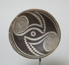Bowl, A.D. 1000–1150  Gray ceramic with white and dark brown slip. h. 5.5 cm., diam. 12.0 cm. (2 3/16 x 4 3/4 in.)  Mimbres valley, New Mexico, United States