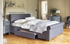 The Heart of House Newbury Bed Frame in Charcoal is a centrepiece piece for your bedroom. It's attractive quilted scroll design with added storage drawers makes it perfect for any modern home.