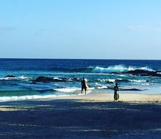 Water is so warm today at Snapper rocks. 今日は水あったかいょ #awsm_surf #snapperrocks #surfing #surfshop #surfboard #surfing #almerrick ##4 #fredstubble by awsm_surf