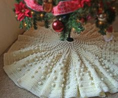 Ravelry: Falling Snow Tree Skirt pattern by Red Fawn Designs Diy Christmas Tree Skirt, Christmas Tree Skirts Patterns, Types Of Christmas Trees, Christmas Tree With Snow, Crochet Christmas Ornaments, Christmas Crochet Patterns, Holiday Crochet, Christmas Crafts, Christmas Ideas