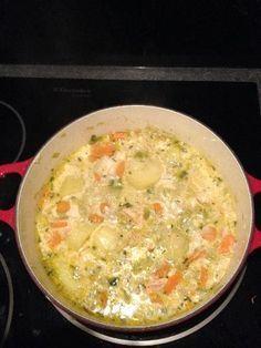 paprika, feuille de laurier, Volailles, crême fraîche, poireau, estragon, saumon, oignon, huile d'olive, carotte, cabillaud