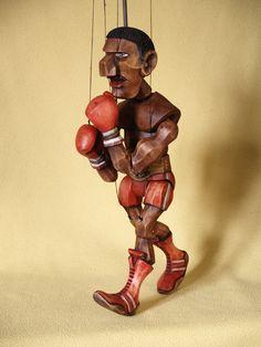 boxer+Loutka+na+drátě+z+lipového+dřeva+malovaná+olejovými+barvami.+Výška+38cm.