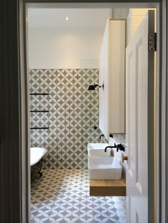 Encaustic tile | cement tile in a geometric pattern for the bathroom
