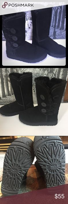 UGG Australia 3 Button Sheepskin & Wool Boots UGG Australia Black 3 Button Sheepskin & Wool Classic Boots sz 8 # F8004 Note The elastic buttonhook is missing on the left boot otherwise these are in very good condition - doesn't affect wear & function of boot   All items are from smoke free environment UGG Shoes Winter & Rain Boots