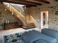 Un loft nel verde - Coffee Break Farmhouse Remodel, Farmhouse Decor, Rustic Home Design, Interior Stairs, Mediterranean Homes, Stone Houses, Staircase Design, French Country Decorating, My Dream Home