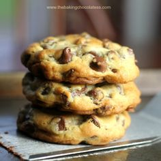 Chocolate Chip Recipes for National Chocolate Chip Day (May Perfect chocolate chip cookies Perfect Chocolate Chip Cookies, Semi Sweet Chocolate Chips, Chocolate Chip Recipes, Chocolate Chocolate, Divine Chocolate, Chocolate Meringue, Valentine Chocolate, Tea Cakes, Bundt Cakes