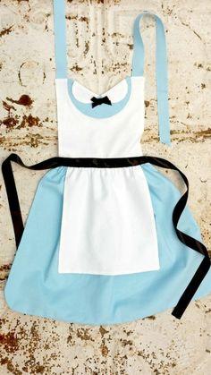 Schürze nähen Anleitung Damen Küchenschürze blau weiß