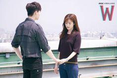 w lee jong suk han hyo joo 0 Lee Jong Suk, Lee Tae Hwan, Jung Suk, Lee Jung, W Korean Drama, Drama Korea, Kang Chul, Mbc Drama, Drama Tv Shows