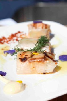 Nutriguía: Lomos de Salmón Noruego marinado envuelto en hojas de puerro http://nutriguia.com/rec/e4rjku03.html
