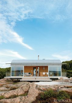 You could use this design for a shipping container home. Swedish summer home…