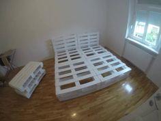 Кровать из поддонов, идея мебели для дачи своими руками, фото, видео