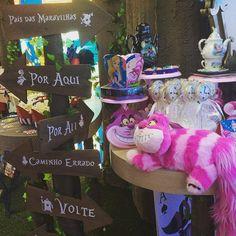 Um dos lançamentos da MZ, vem ver a festa da Alice no País das Maravilhas. Mais um tema oficial Disney - Regina Festas