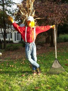 Come check out this fall scarecrow at www.southtexasmaize.com.