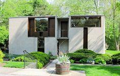 Casa Esherick De Louis Kahn, Uma casa em Chestnut Hill, Filadélfia, Pensilvânia, nos Estados Unidos, construída entre 1959 e 1961