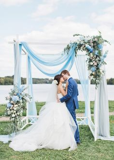 This romantic outdoor wedding inspired by the blue sky and airy clouds is incredibly breathtaking!