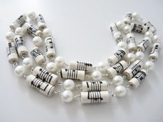 Musical score paper bead necklace by MagdaCrafts on Etsy - Paper Beads and Paper Crafts - Musical score paper bead necklace by MagdaCrafts on Etsy - Make Paper Beads, Paper Bead Jewelry, Fabric Jewelry, How To Make Beads, Resin Jewelry, Jewelry Crafts, Beaded Jewelry, Handmade Jewelry, Beaded Bracelets