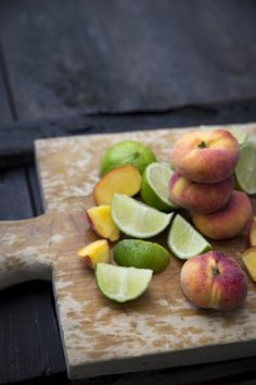 Sangria, Fresh Fruit, Videos, Plum, Berries, Peach, Food, Essen, Bury