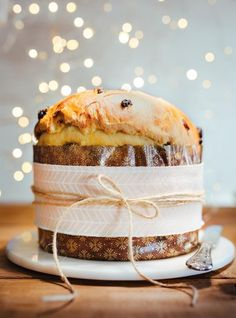 Panettone, an Italian Christmas Sweet Bread - a not too sweet yeast bread, filled with raisins, candied fruit or Chocolate Chips. A delicious way to celebrate the Holidays. Panettone Bread, Italian Panettone, Best Panettone, Italian Bread, Italian Cookie Recipes, Italian Desserts, Baking Recipes, Cake Recipes, Plated Desserts