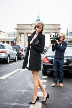 Get inspired by 40 amazing street style pictures from Berlin, Germany. German Street Fashion, Cool Street Fashion, Street Style, Fashion Pictures, Style Pictures, Berlin, Chic, Womens Fashion, Crowd