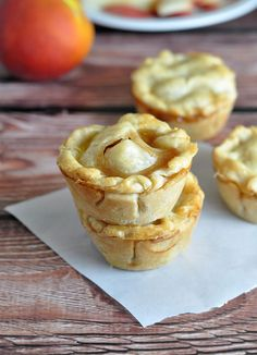 Bite size desserts like these mini pies afford you the luxury of indulging without the remorse. If you're like me and you like to try a tiny taste of different sweets, then a variety of mini pies is the perfect solution. Whether you choose to serve these adorable mini pies for breakfast, brunch, at a [...]